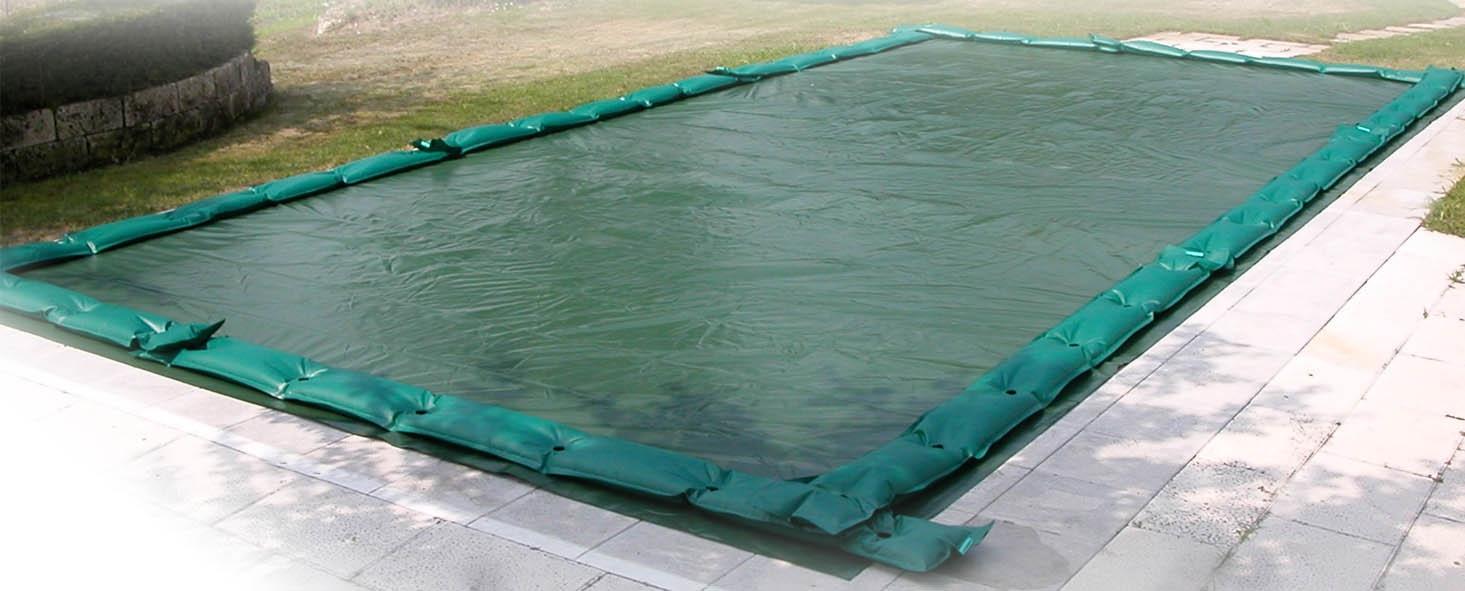 Coperture isotermiche e invernali per piscine: le soluzioni del