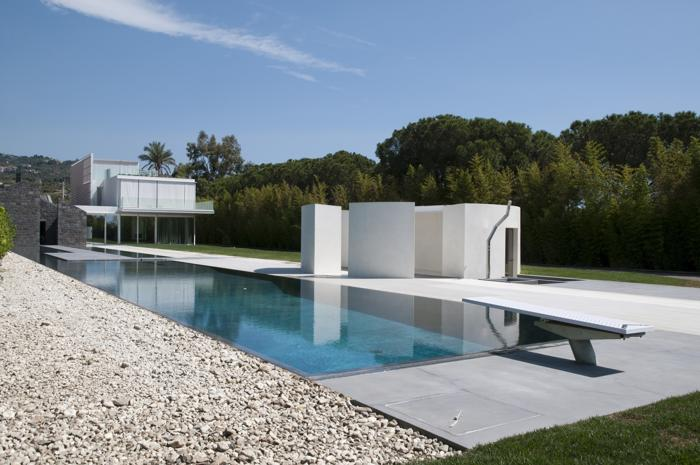 Soluzioni progettuali per costruire piscine in spazi for Colore per piscine