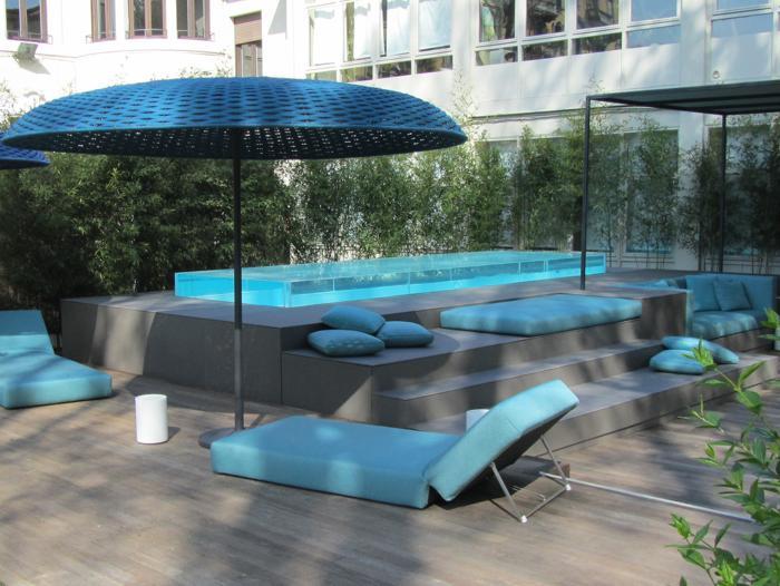 Piscine con bordo in vetro 3 esempi costruzione piscine for Piscina rialzata
