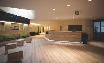Fit interiors arredamenti per ambienti reception e for Arredamenti centri benessere spa
