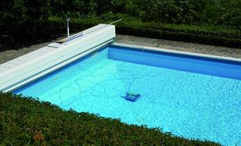 Coperture a tapparella per piscine le ultime innovazioni del settore rassegne tematiche di - Coperture mobili per piscine ...
