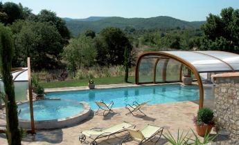 Coperture telescopiche per piscina le ultime novit in for Prodotti per piscina prezzi