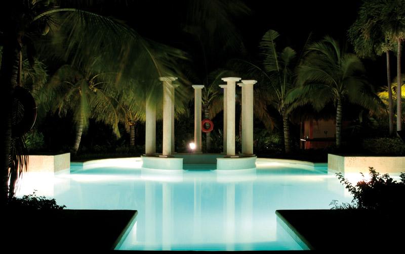 Illuminazione per piscine a led sport industry directory